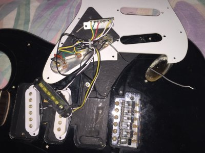 squier affinity strat wiring help please fender. Black Bedroom Furniture Sets. Home Design Ideas