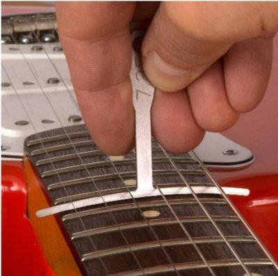 neck radius fender stratocaster guitar forum. Black Bedroom Furniture Sets. Home Design Ideas