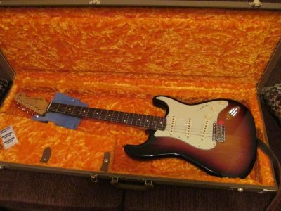 Buying My First Strat Classic Series 50 S Vs Classic Player 60 S Fender Stratocaster Guitar Forum
