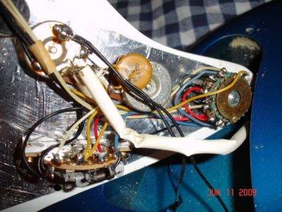the strat wiring fender stratocaster guitar forum. Black Bedroom Furniture Sets. Home Design Ideas