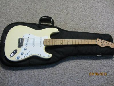 how much is this 1992 squier strat worth fender stratocaster guitar forum. Black Bedroom Furniture Sets. Home Design Ideas