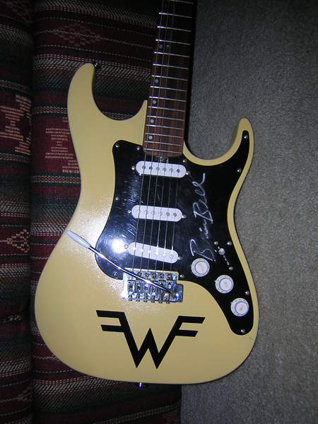 my brian bell limited edition 39 weezer 39 strat fender stratocaster guitar forum. Black Bedroom Furniture Sets. Home Design Ideas